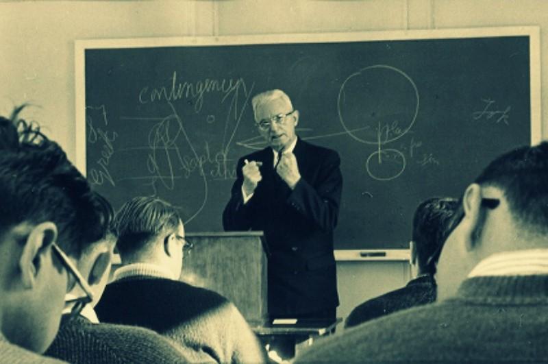Croire en Dieu est aussi logique que respirer de l'air. Van Til explique pourquoi.  www.leboncombat.fr