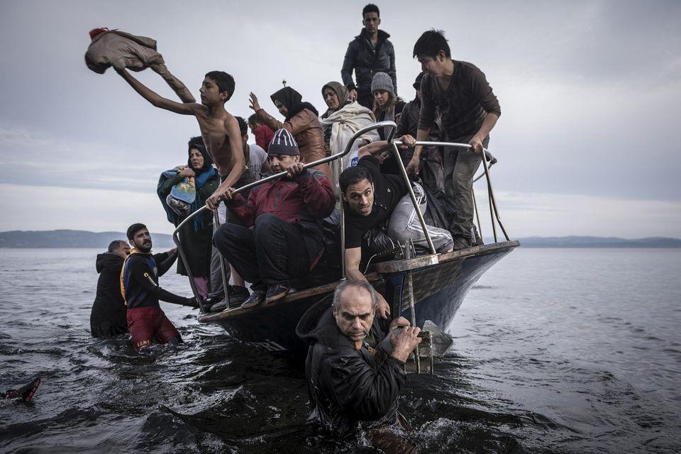 Pas de Noël pour les migrants www.leboncombat.fr