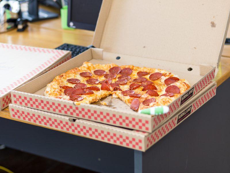 Ne nous donnez pas des pizzas. Donnez-nous l'Evangile !  www.leboncombat.fr