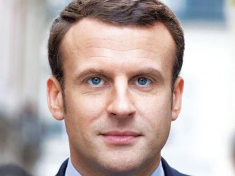 Emmanuel-Macron-devoile-son-affiche-de-campagne-et-un-nouveau-slogan